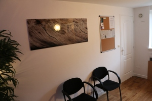Salle d'attente du Cabinet d'ostéopathie d'Herblay